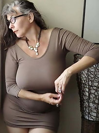 Gorgeous and Busty Mature Ladies 2